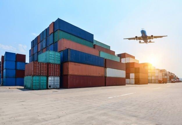 Valencia, Algeciras y Barcelona entre los 10 primeros puertos de la UE por movimiento de contenedores en 2018.